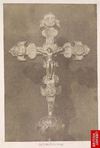 Croix paroissiale de Vernassal (Haute-Loire).