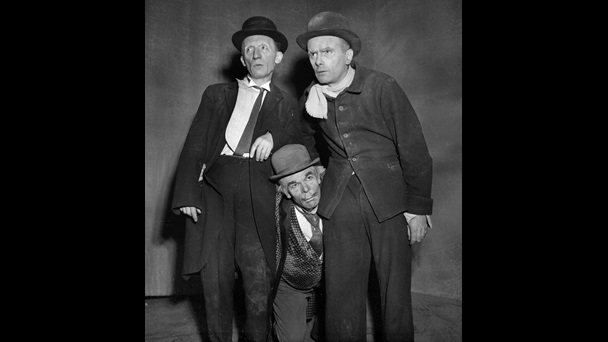 Production photographs of Waiting for Godot, 1953