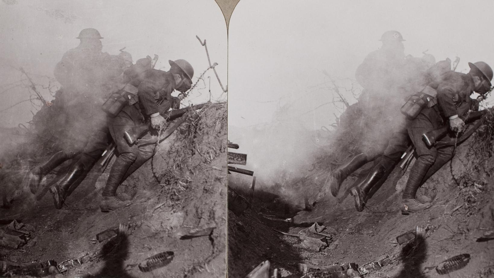 Broken mirrors the First World War and modernist literature