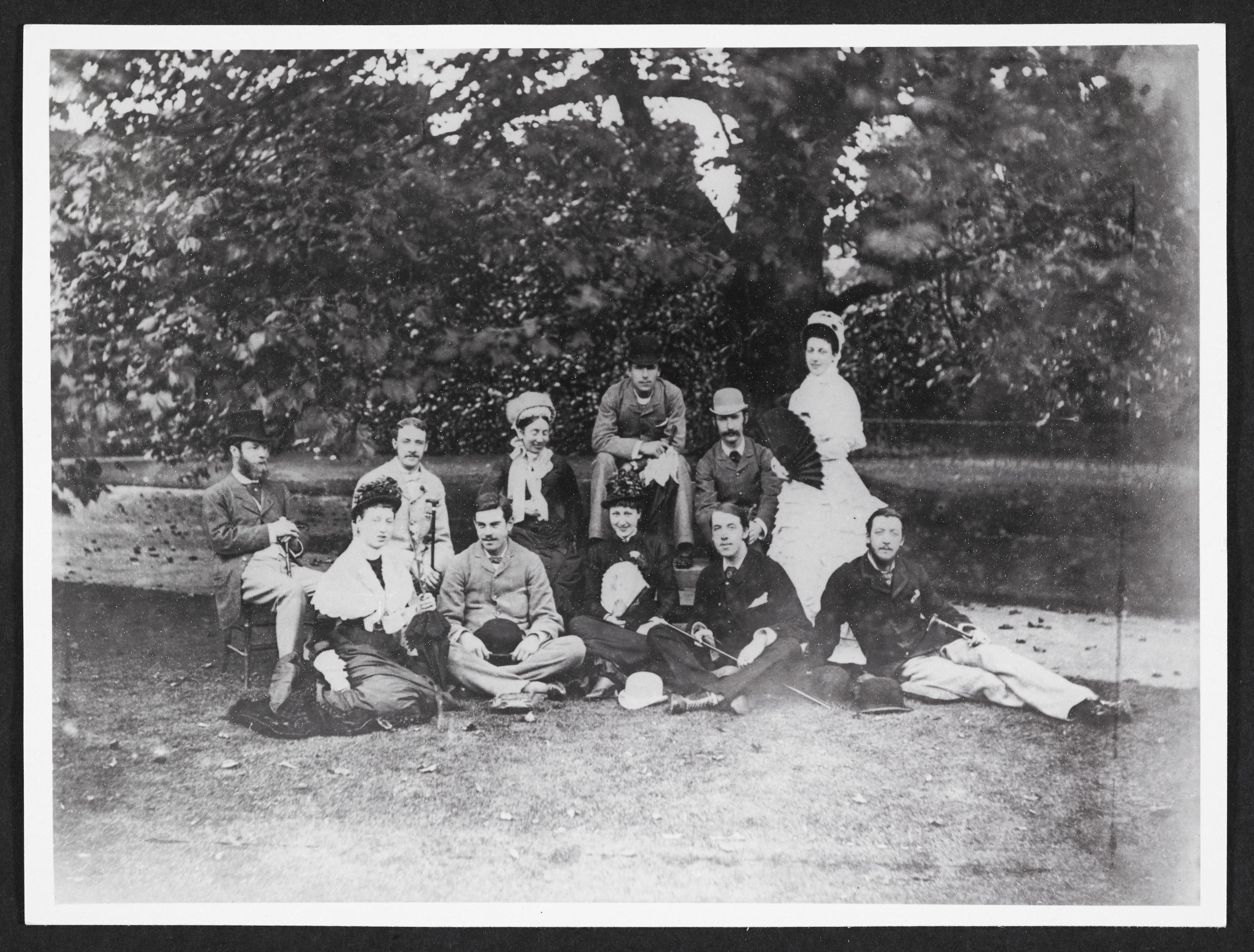 Photographs of Oscar Wilde, 1877-1905
