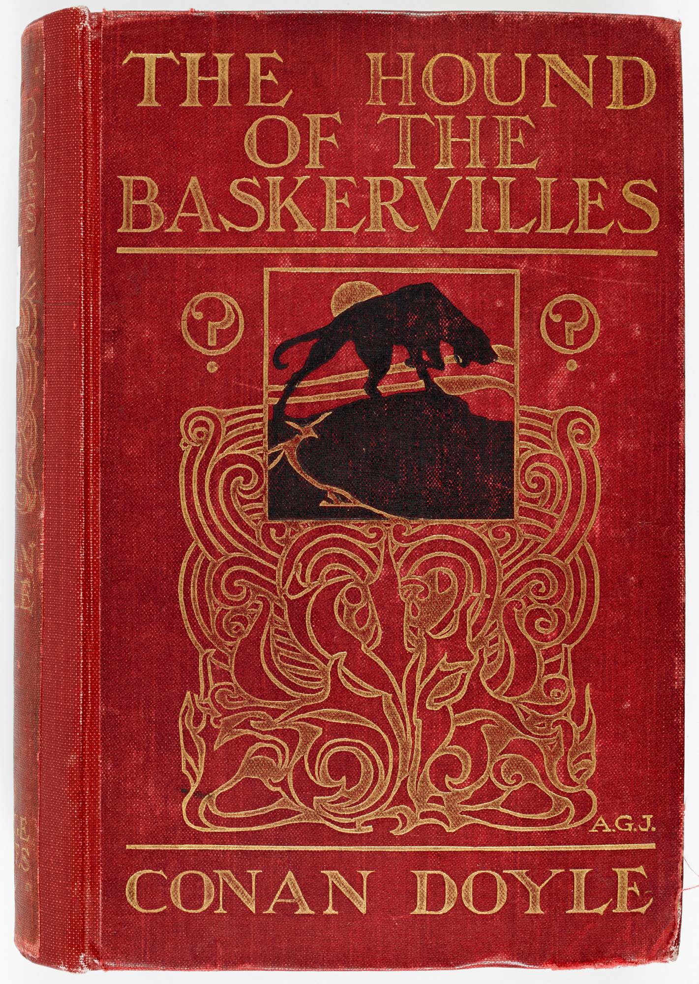 Illustrated front cover, showing the Hound of the Baskervilles.