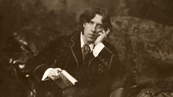 Oscar Wilde, author of The Picture of Dorian Gray and The Importance of Being Earnest. Portrait photograph by Napoleon Sarony.