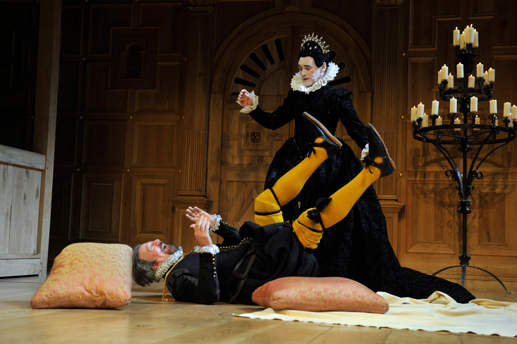 Photograph of Stephen Fry in a 2012 production of Twelfth Night directed by Tim Carroll