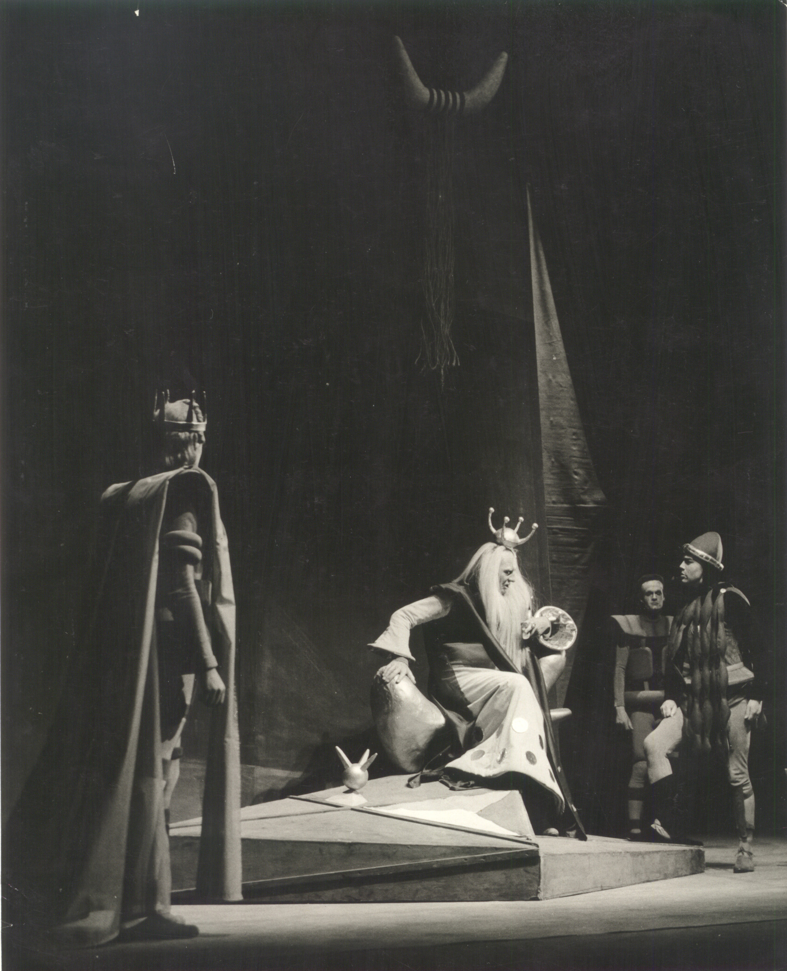 Photographs of John Gielgud as Lear, 1955