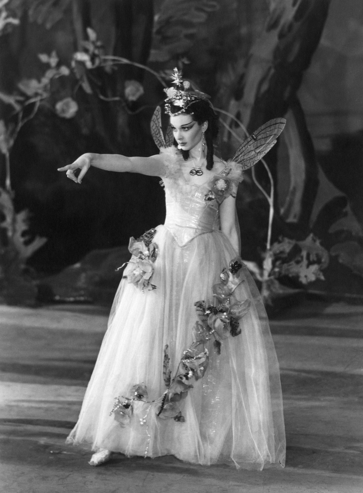 Photograph of Vivien Leigh as Titania from A Midsummer Night's Dream