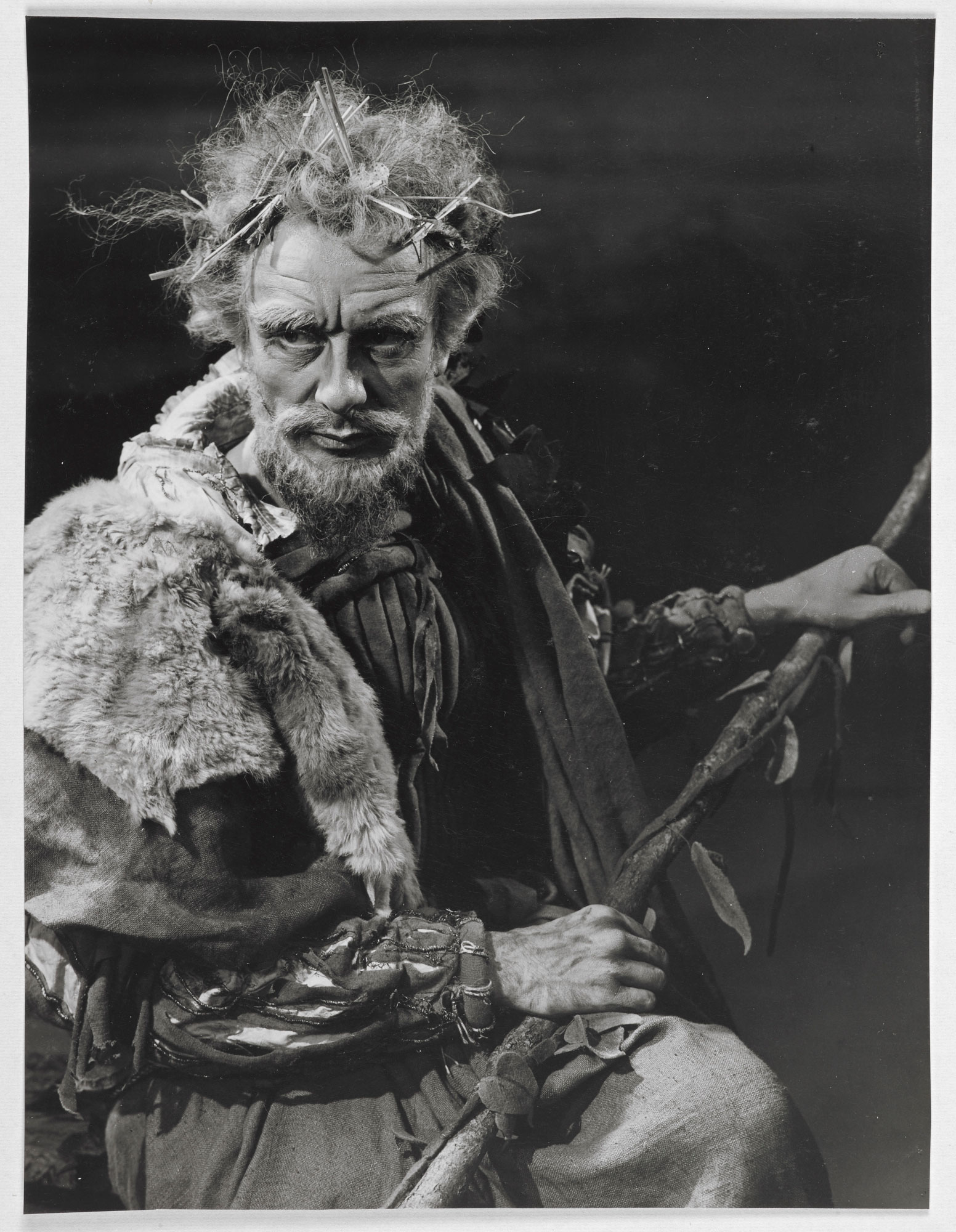 Photographs of John Gielgud as Lear, 1950, page 1