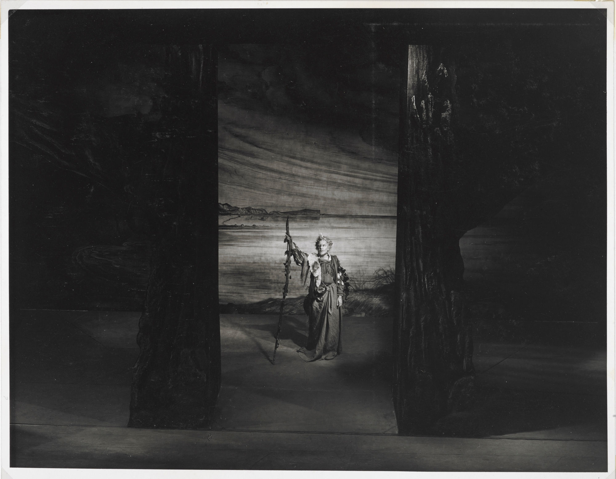 Photographs of John Gielgud as Lear, 1950, page 2