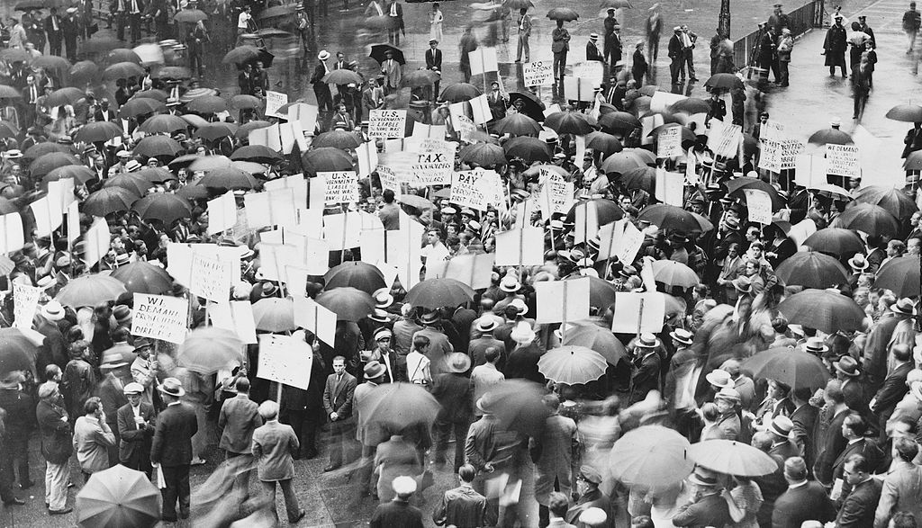 Crowds outside the Bank of the United States during its failure in 1931