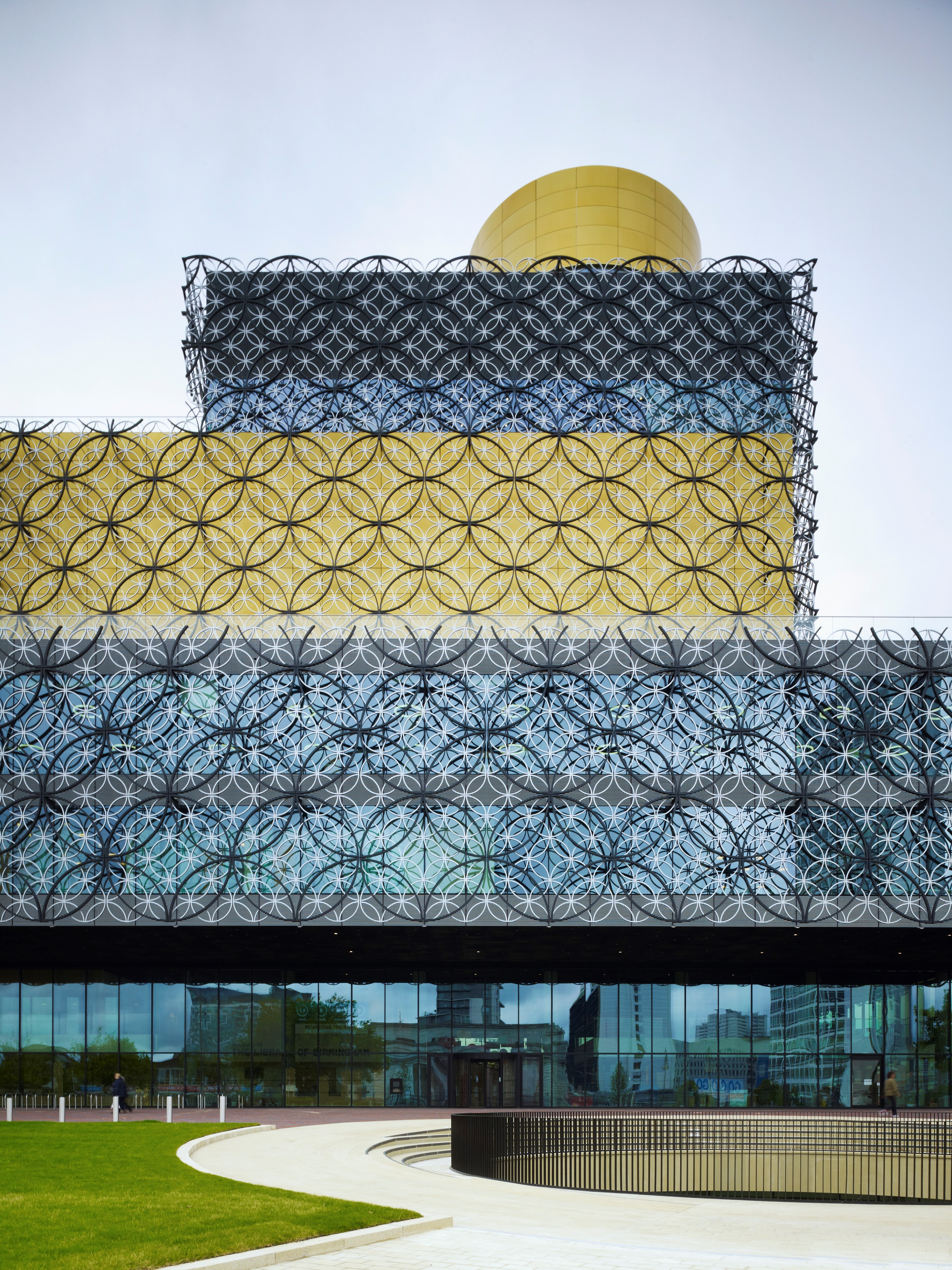Library of Birmingham by Christian Richters