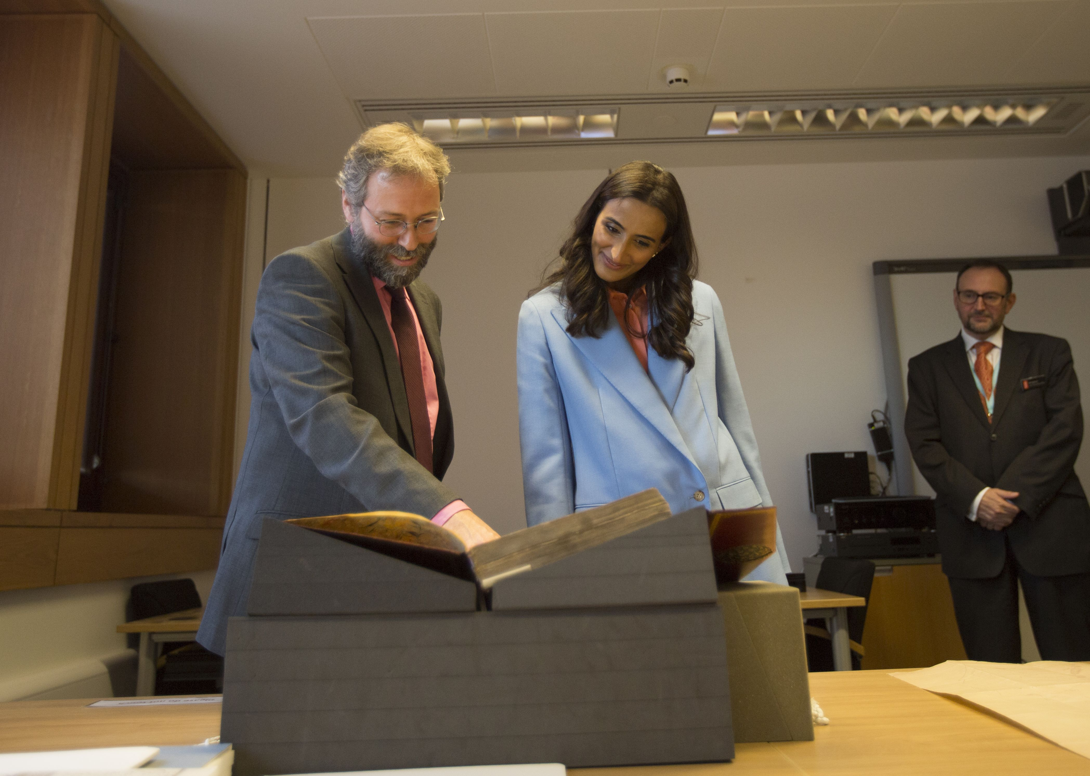Her Excellency Sheikha Hind bint Hamad Al Thani, Vice Chairperson and CEO of Qatar Foundation, attended a reception at the British Library to commemorate Qatar Digital Library's (QDL) four-year anniversary. Dr Bink Hallum, Arabic Scientific Manuscripts Curator shows H.E. a collection item.
