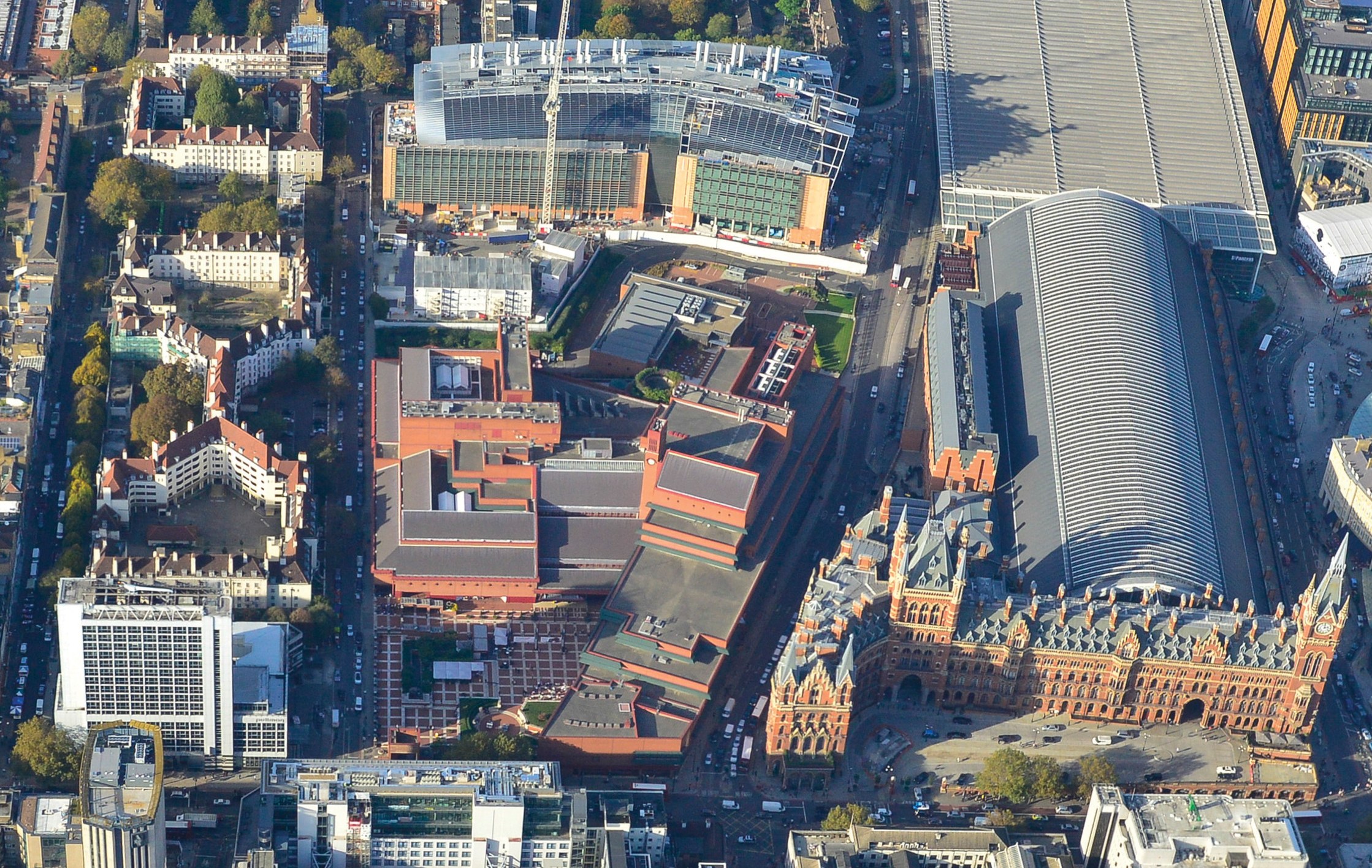 British Library at St Pancras site and surroundings, including (centre) the British Library, (right) St Pancras station, (top) the Francis Crick Institute. Photo by Ian Hay.