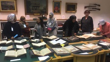 A show and tell between curators and community members