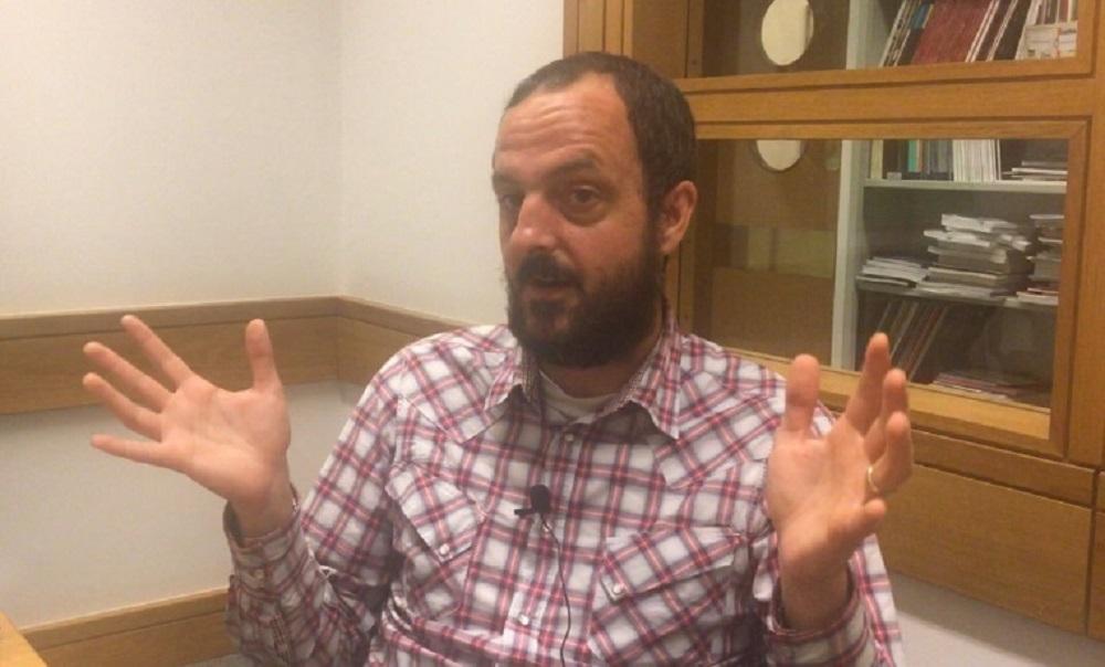 Craig Hamilton, PhD student and creator of Harkive