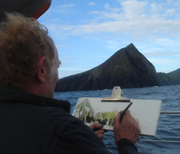Norman Ackroyd working plein air, photographed by Ian Ritchie. Courtesy Norman Ackroyd Collection. Image not licensed for reuse.