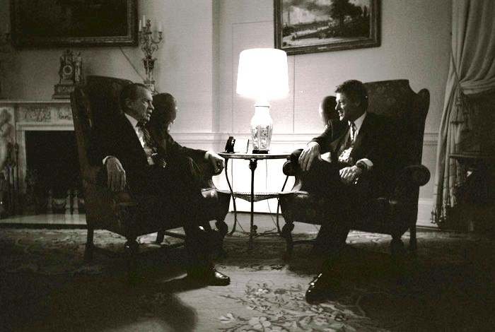 Former President Richard Nixon visits with President Bill Clinton in the family quarters of the White House, March 8, 1993, photograph by Bob McNeely, White House Photo Office