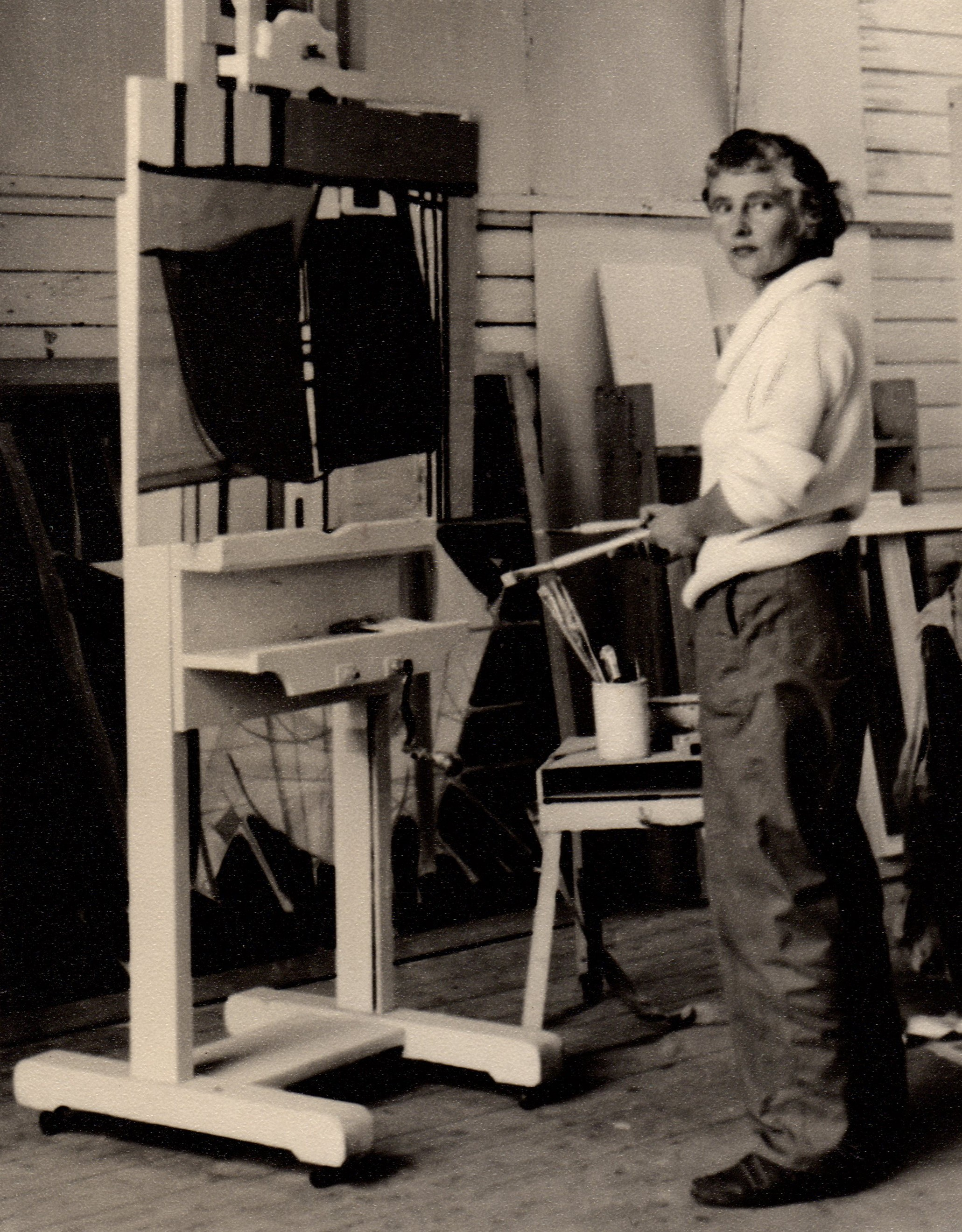 Wilhelmina Barns-Graham in Porthmeor Studios, St Ives, late 1950s (photographer unknown).
