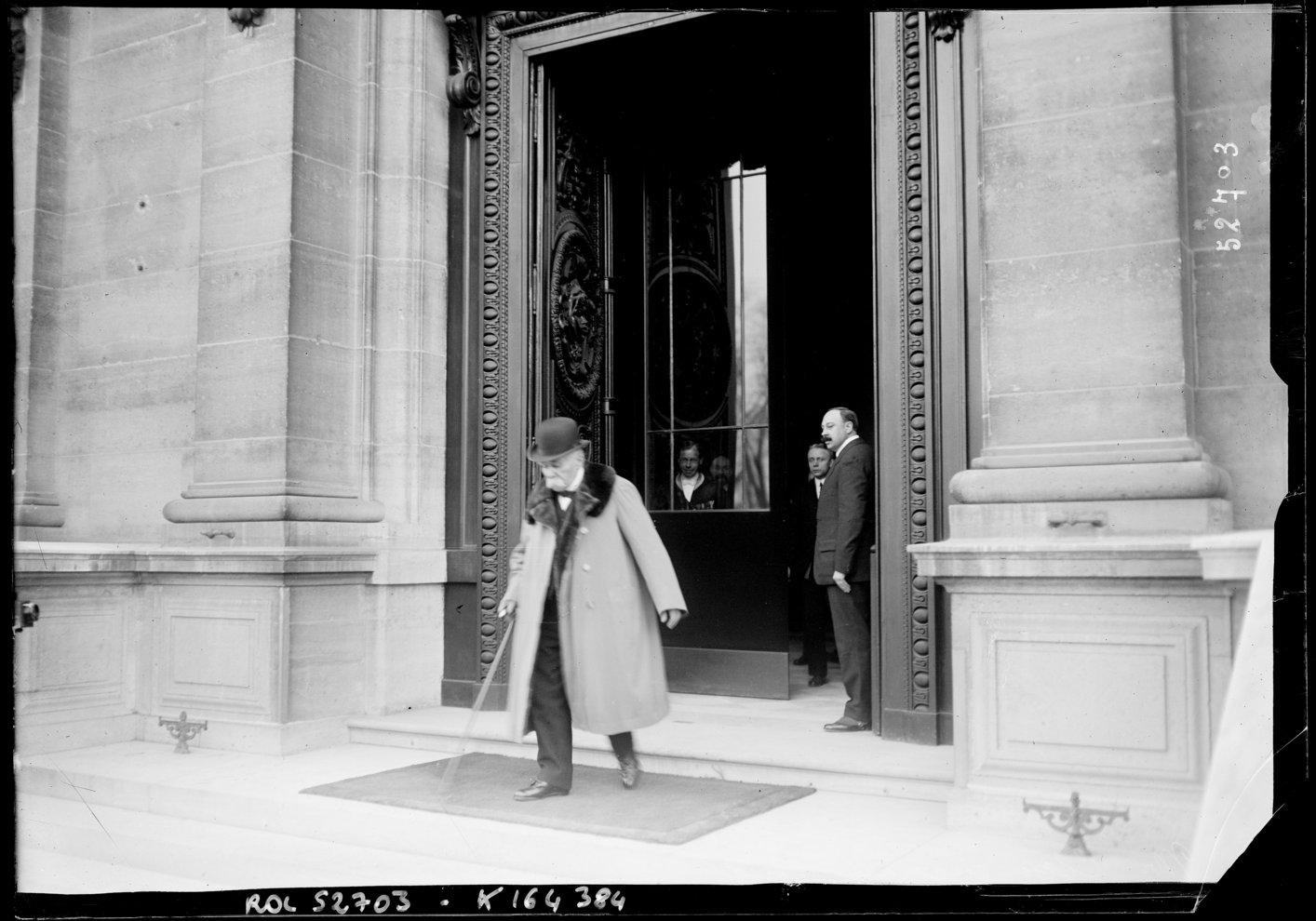 Georges Clémenceau leaves the Peace Conference
