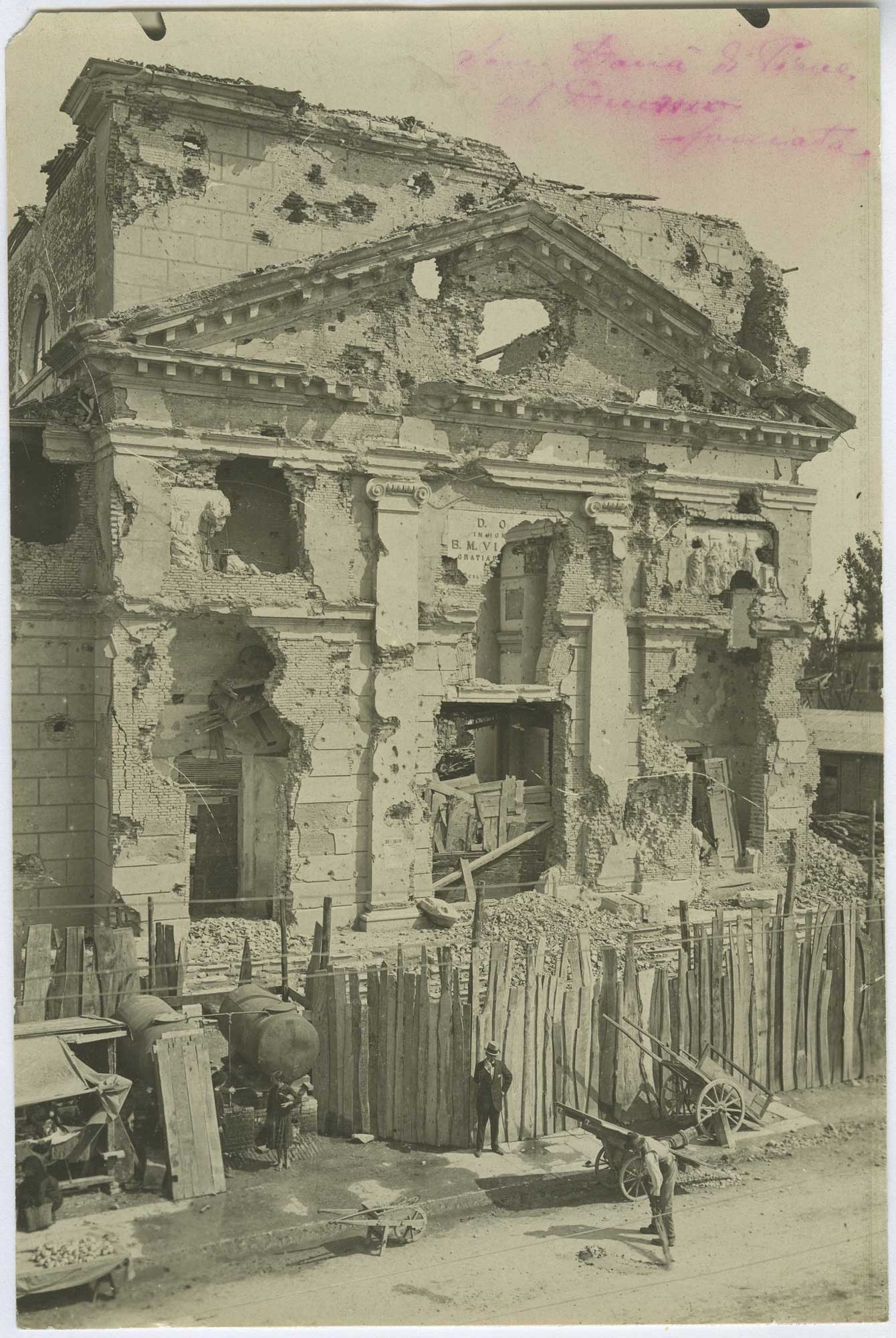 Façade of the Duomo di San Dona del Piava destroyed after the fighting