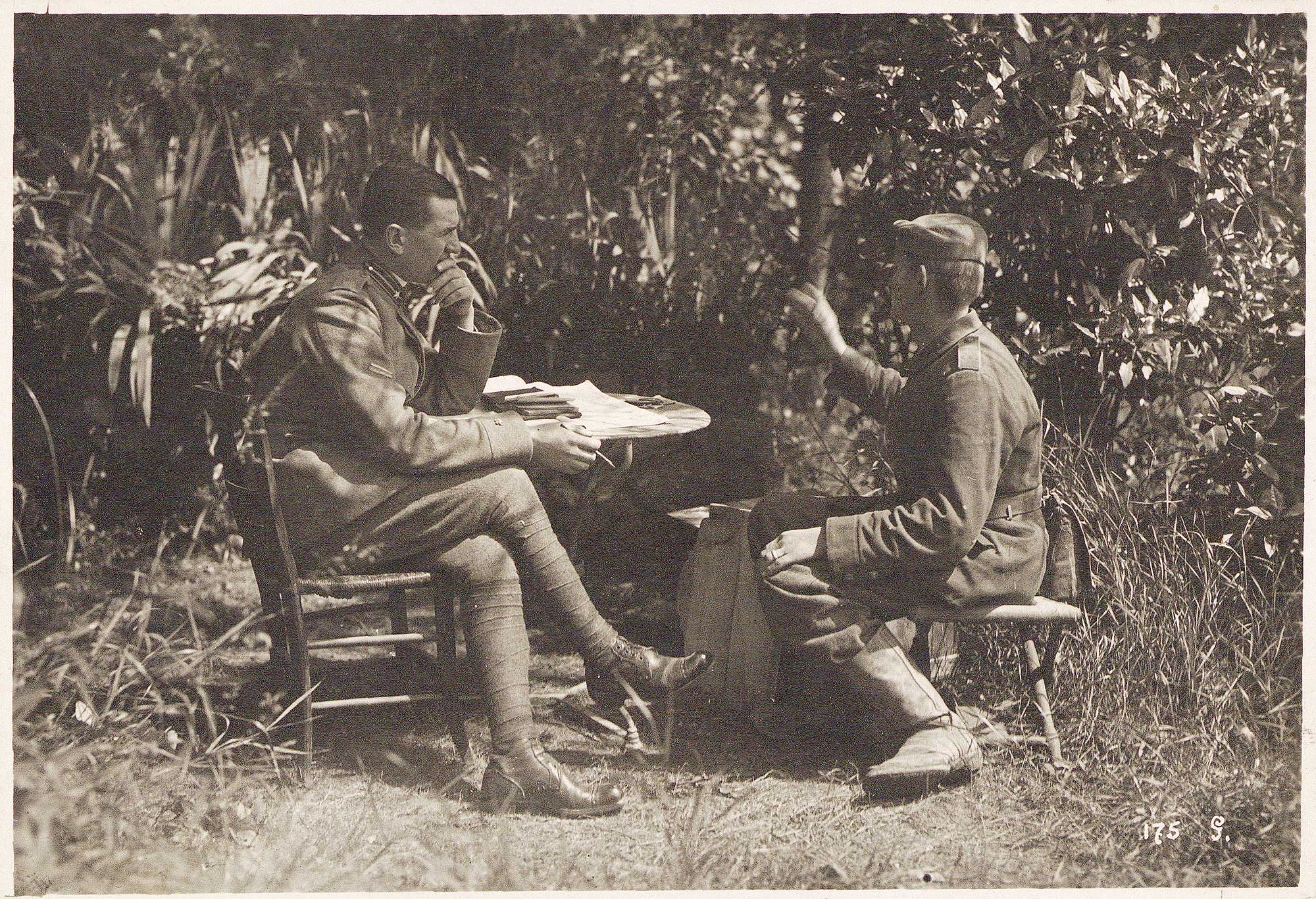 A German prisoner of war is interrogated by an Italian officer, 1918.