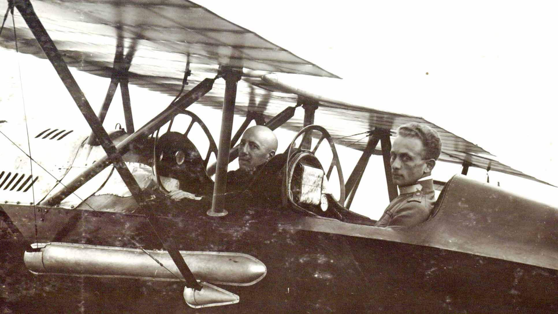 Raid of Vienna. Major Gabriele D'Annunzio and his pilot Natale Palli (detail)