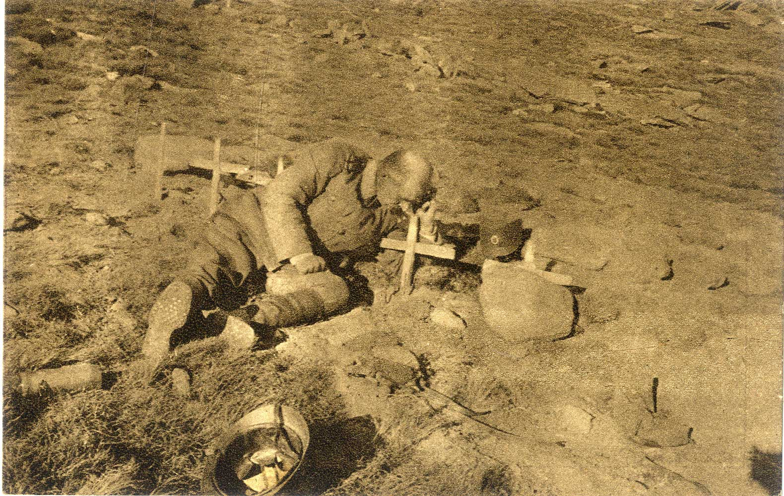 Serbian officer on the grave of his son