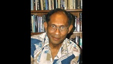 Chandra Wickramasinghe in 1990