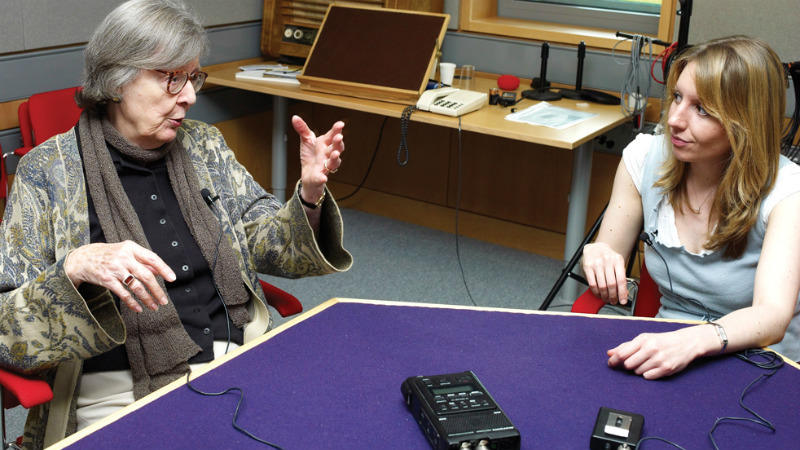 Sarah O'Reilly interviewing Dame Penelope Lively