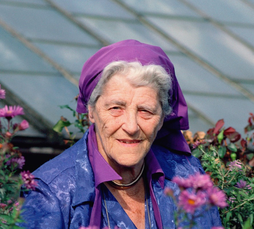 Miriam Rothschild, supporter of wildflower meadows and a world expert on Rabbit Fleas, Ashton Wold, England ©B&C Alexander/Arcticphoto
