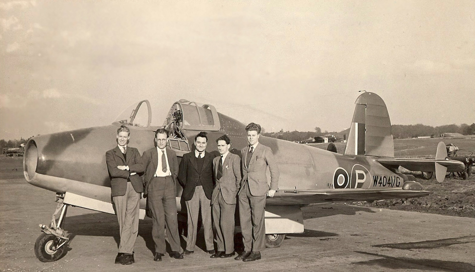 Dennis Higton (right) and colleagues with a Gloster E.28/39, Britain's first jet aircraft, in the 1940s