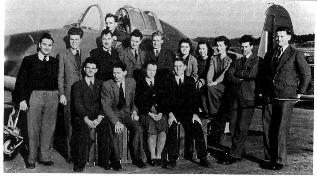 Dennis Higton and colleagues with the E.28/39 at Farnborough, March 1945
