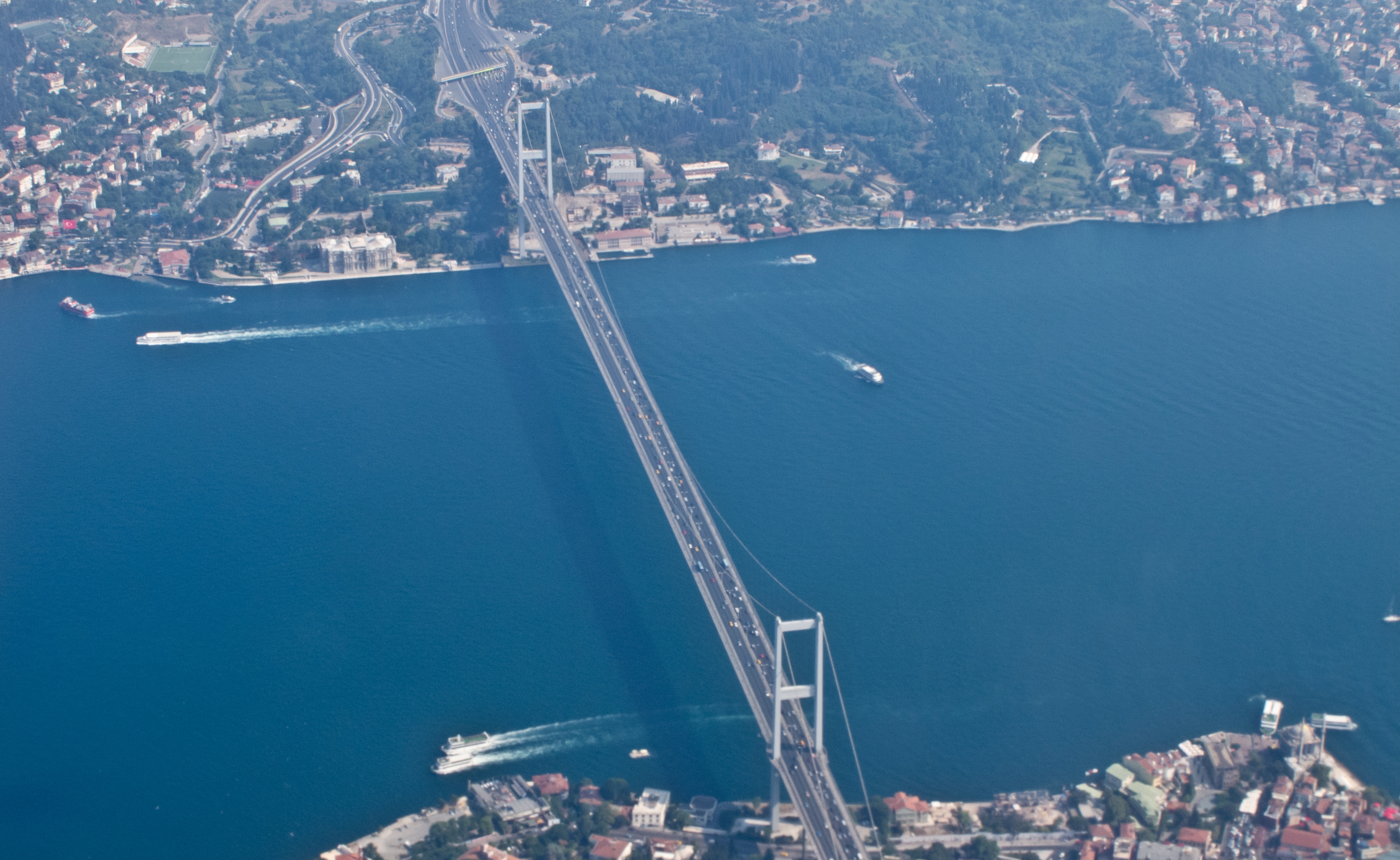 Aerial view of Bosphorus Bridge, Istanbul, Turkey, 2011. Photo: Carlos Delgado. License: CC-BY-SA-3.0